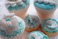 Cupcakes-in-lace